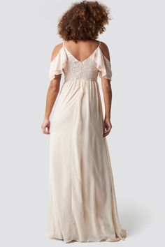 This maxi dress by Trendyol features non adjustable shoulder straps, a v neckline, a subtle back zipper, pleated design on the bottom and a ruffle detail on one sleeve. Buy Dress, Pink Dress, White Dress, Stylish Dresses, Cute Dresses, Jean Outfits, Dress Outfits, Dresses Online, Ruffles
