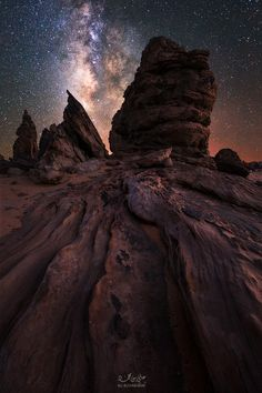Moment with Milky Way by Ali ALSUHAIBANI on 500px