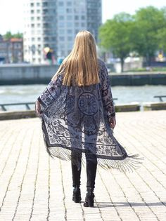 30% OFF | Boho Kimono velvet Gray , Women Boho Fringe Kimono Floral Kimono Tassels, Cape Jacket Gray Thank you so much KateMilford For the pictures ! https://www.facebook.com/KateMilfordPhotography › Royal print › fringe detailing › the perfect cozy Jacket › super soft › green ››MEASUREMENTS in Inches Shoulder: 18 Bust: 40 Waist: 40 Sleeve Length: 17 Total Length: 41 ››MEASUREMENTS in Centimeters Shoulder: 45,72 cm Bust: 101,6 Waist: 101,6 Sleeve Length: 43,18 ...