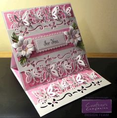 Crafter's Companion Edge'able Die borde for an easel card
