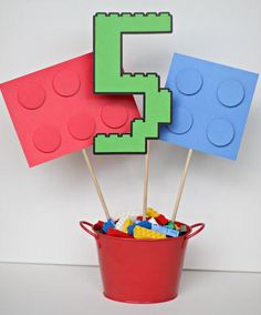 What a cute Lego centerpiece to brighten up your birthday party decor!!!