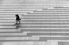 Untitled | Flickr - cherco I like how there's a ripple effect from her movement. Landscape Elements, Landscape Architecture Design, Urban Landscape, Paving Design, Hardscape Design, Bluestone Paving, Pavement Design, Plaza Design, Paving Pattern