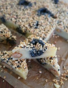 Black Sesame Peanut Mochi Cake -- is a super fun, delicious and easy recipe! Make it part of your 2019 resolution. Peanut Butter Filling, Peanut Butter Recipes, Butter Mochi, Mochi Cake, Mochi Recipe, Cake Recipes, Dessert Recipes, Modern Cakes, Irish Recipes