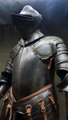 Armor for use in the field made in Milan Italy perhaps for Sir William Herbert First Earl of Pembroke 1550 CE Etched and partially gilded steel (3)