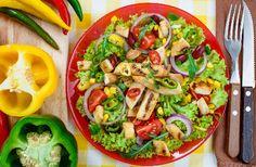 Dok su vreli dani, uživajte u ukusnim salatama.