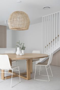 Dining Room Inspiration, Design Inspiration, Study Nook, Round Dining, Round Tables, Side Tables, Dining Room Design, Minimalist Home, House Design