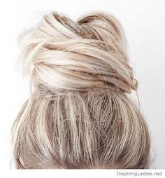 Awesome blonde top bun style | Inspiring Ladies