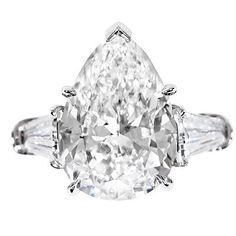 Harry Winston pear-shaped 3-carat diamond. I do ... I do !!!