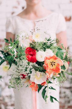 "smpweddings: ""Colorful + romantic Spring bouquet Photography: Emily Delamater """