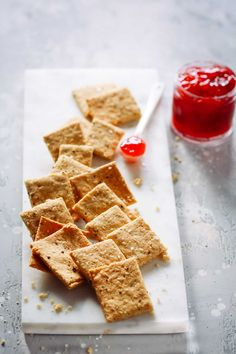 Low-Carb Almond Flour Crackers (Paleo Gluten-free & Delicious) - Have you made low-carb crackers before? These Low-Carb Almond Flour Crackers taste so good that you and your guests wont believe these are actually healthy gluten-free and paleo too. Best Gluten Free Recipes, Other Recipes, Low Carb Recipes, Snack Recipes, Dessert Recipes, Banting Recipes, Flour Recipes, Healthy Recipes, Kitchen Recipes