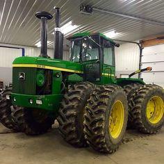 Tractor Cabs, John Deere Combine, Jd Tractors, Work Horses, Farming, Childhood, Agriculture, Infancy, Childhood Memories