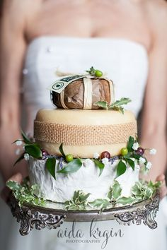 The Westchester Wedding Planner, Wedding Cake, Aida Krgin Photography, Cheese Wheel Cake
