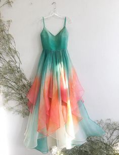 Awesome boho dresses are offered on our site. Take a look and you wont be sorry you did. Indian Fashion Dresses, Fashion Outfits, Dress Fashion, Fashion Fashion, Pretty Dresses, Beautiful Dresses, Awesome Dresses, Evening Dresses, Prom Dresses