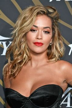 Looking for some blonde hair inspiration? We've put together a list of our favourite blonde A-listers to inspire your next do. From classic bright blonde t. Pretty Hair Color, Beautiful Hair Color, Short Hair Cuts, Short Hair Styles, Blonde Hair Inspiration, Which Hair Colour, Peinados Pin Up, Rita Ora, Short Blonde