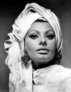 Diva in hats. Sophia Loren .. Discussion on LiveInternet - Russian Service Online diary