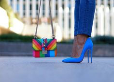05-street+style-colors-valentino-colorful-bag-spring+summer+15-blue-suede-so+kate-christian+louboutin-con+dos+tacones-c2t.JPG (670×480)
