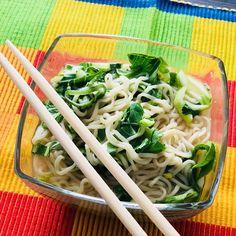 """Gefällt 0 Mal, 1 Kommentare - @lizzievibes auf Instagram: """"Delicious vegan Thai noodles with pak choy, cilantro, ginger and lime 😋"""" Pak Choy, Thai Noodles, Cilantro, Cabbage, Lime, Vegan, Vegetables, Instagram, Food"""