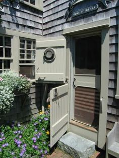 Nantucket -One day I will have a house with this type of door.
