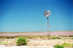 A Windmill at Western Australia Pink Lake Southern Cross windmill Farm Photography, Travel Photography, Wonderful Places, Beautiful Places, Wave Rock, Earth View, Pink Lake, Pottery Sculpture, Drawing Artist