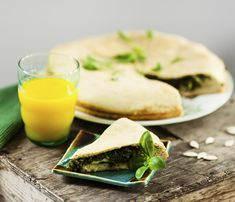 Greek Spinach Pie - Blue Zones Greek spinach pie is a savory dish that can be made traditionally with spinach or can be substituted with other greens such as chard or dandelion greens. Blue Zones Recipes, Zone Recipes, Low Carb Recipes, Yummy Recipes, Greek Cookbook, Greek Spinach Pie, Dandelion Recipes, Mediterranean Diet Recipes, Home Food