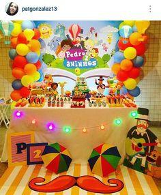 """186 curtidas, 31 comentários - ARTESaNANDDO (@artesananddo) no Instagram: """"Festa maravilhosa que a querida Patricia preparou para o Pedrinho! Com minhas peças e muito bom…"""" 4th Birthday, Birthday Cake, Birthday Parties, Invitation Cards, Invitations, Ideas Para Fiestas, Circus Party, Childrens Party, Bar Mitzvah"""