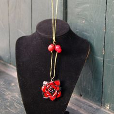 Gothic Red Rose Polymer Clay Necklace, Statement Jewelry, polymer necklace, polymer clay jewelry, polymer jewellry.    https://www.etsy.com/listing/244350396/gothic-red-rose-polymer-clay-necklace?ref=shop_home_active_5