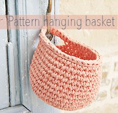 For this pattern You will need: - 1 skein Ribbon Yarn & a crochet hook nr 6 (US - A stitch marker. - A big needle with a round point to weave in the ends. -The basket will be about 12 cm x 12 cm or x inch. Crochet Home, Knit Or Crochet, Crochet Crafts, Crochet Projects, Crochet Motifs, Crochet Stitches, Tshirt Garn, Crochet Basket Pattern, Crochet Dolls