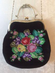 Купить Нарядная бархатная сумочка с вышивкой, на фермуаре - сумочка с вышивкой, вышитая сумка, нарядная сумочка