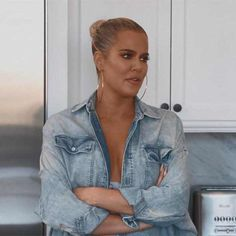 Kris Jenner has some explaining to do. The momager is notably MIA in this clip from Sunday's new Keeping Up With the Kardashians, and it appears her absence is not without reason. Estilo Khloe Kardashian, Kardashian Jenner, Kylie Jenner Hair, Kris Jenner, Celebrity Gossip, Celebrity Style, Lamar Odom, Kristin Cavallari, Keke Palmer