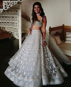 Indian Bridal Outfits, Indian Designer Outfits, Indian Dresses, Bridal Dresses, Indian Clothes, Indian Lehenga, Lehenga Designs, Bridal Lehenga Collection, Party Kleidung