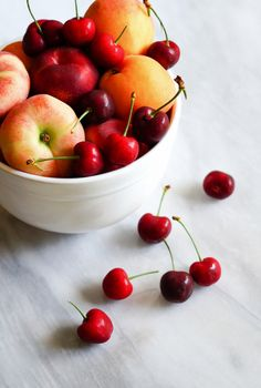 Stone Fruit 101 on The Pioneer Woman Food & Friends > all about stone fruit + recipes