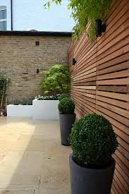 great backyard privacy fence design ideas to get inspired 18 Garden Privacy, Backyard Privacy, Garden Shrubs, Garden Fencing, Backyard Patio, Backyard Landscaping, Diy Herb Garden, Privacy Screens, Landscaping Ideas