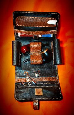 Tobacco pouch pipe pouch leather pipe pouch by GoodskinArt Wooden Smoking Pipes, Tobacco Pipe Smoking, Cool Pipes, Cigar Club, Cigar Accessories, Cigar Room, Pipes And Cigars, Pipe Dream, Leather Projects