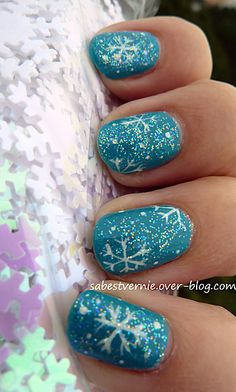 40 Stunning Frozen Nail Art Designs For Winter Frozen Nail Art, Frozen Nails, Fancy Nails, Trendy Nails, Cute Nails, Sparkle Nails, Christmas Gel Nails, Holiday Nails, Winter Nail Designs