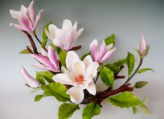 angels in cold porcelain Fondant Flowers, Sugar Flowers, Paper Flowers, Flower Crafts, Flower Art, Cold Porcelain Flowers, Nylon Flowers, Calla, Gum Paste Flowers