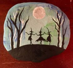 34 Rock Painting Ideas for Halloween and Fall A slumbering fox is a perfect fall painted rock. A cozy campfire is featured on this painted rock. These painted ghost rocks are boootiful. These Halloween candy painted rocks look good enough to eat! What would be Halloween without Peanuts? Poor Charlie Brown's sad rock moment is …