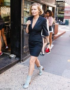 Lara Bingle flashes legs and cleavage in fitted mini dress - Celebrity Fashion Trends