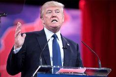 ترامپ برای تولید آیفون در آمریکا با تیم کوک مذاکره کرد