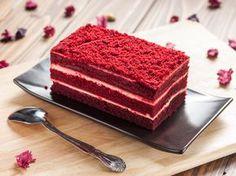 """LaRed Velvet Cake è tra le torte più belle e buone della tradizione americana. Letteralmente """"Red Velvet Cake"""" significa torta rossa di velluto. LaRed Ve"""