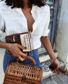 Summer street style white shirt and basket