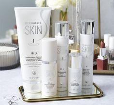Skin Nutrition, Nutrition Club, Herbalife Nutrition, Skin Serum, Moisturizer For Dry Skin, Aloe Vera, Peeling, Moisturiser, C'est Bon