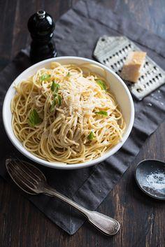 Spaghetti with Roasted Garlic, Mascarpone, Olive Oil, Cream, Basil and freshly Grated Parmesan.