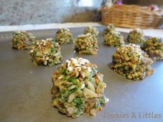 Recipe: Healthy Birdie Bon Bons  1 cup cooked healthy grain (I used brown rice and quinoa mixed) 1 cup finely chopped veggies (I used kale and carrots) 1 banana (4ozs of baby food could also be used) Drizzle of Red Palm Oil or Coconut Oil Sesame and Alfala seed sprinkled on top  Preheat oven to 350F. Mix ingredients and spoon onto cookie sheet. Cook for 20mins. Cool and freeze if necessary.