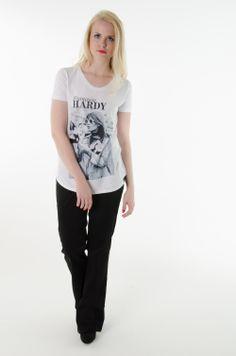 Calça Flare, T-shirt Françoise Hardy.