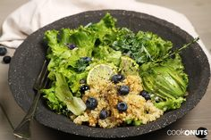 Quinoa Salat mit Avocado und Heidelbeeren, gesund, healthy, schnell, einfach, kochen, Salat, Cookonuts Salat Bowl, Avocado Salat, Recipes, Few Ingredients, Easy Cooking, Recipies, Clean Foods, Health, Recipe