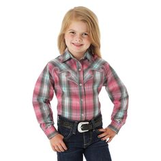 Spring arrival from Wrangler! Available now at Billy's Western Wear in Boerne and Kerrville, Texas. GW5201M