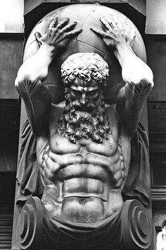 Atlante punito da Zeus e costretto a portare l'intera volta celeste sulle spalle poiché si era unito con Crono, padre di Zeus.