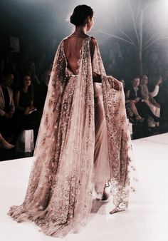 Clothes for Romantic Night - Paolo Sebastian 2016 A/W Couture. - If you are planning an unforgettable night with your lover, you can not stop reading this! Style Haute Couture, Couture Fashion, Runway Fashion, High Fashion, Dress Fashion, Style Fashion, Indian Fashion, 90s Fashion, Fashion Beauty