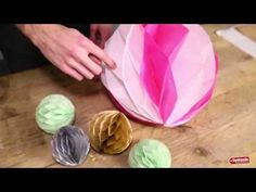 Honeycomb Pom Pom DIY tutorial (consider making the halfs with 4 and 5 glue lines for wall decor) How To Make Honeycomb, Honeycomb Paper, Tissue Paper Ball, Paper Balls, Honeycomb Decorations, Paper Decorations, Crafts To Make, Crafts For Kids, Diy Crafts