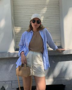 Paulien 🌙 (@paulienriemis) • Instagram-foto's en -video's Monday Morning, Shirt Blouses, Denim Skirt, Short Dresses, Hipster, Photo And Video, Skirts, How To Wear, Outfits